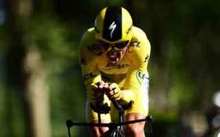 Grande sorpresa al Tour de France, Julian Alaphilippe non solo mantiene la maglia gialla, ma addirit