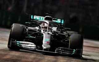 Duello fra Lewis Hamilton e Max Verstappen nelle PL1-PL2, con il campione del mondo che ha replicato